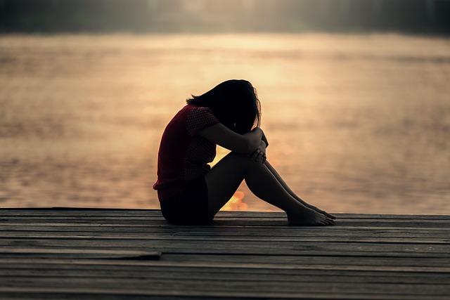 涙は女の武器?!泣き虫女の心理とすぐに泣いてしまう癖の克服法